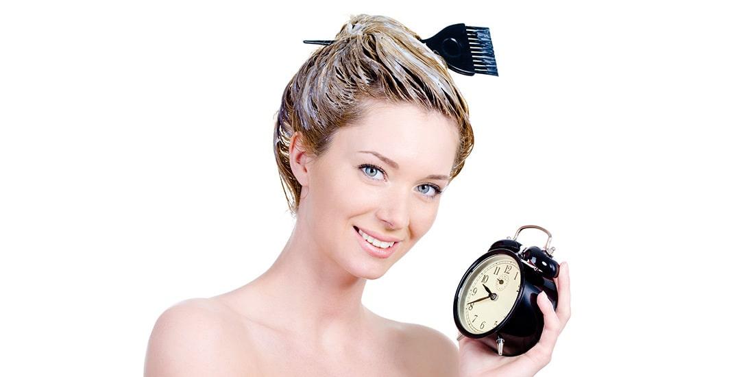 jak dlugo trzymać farbę na włosach, jaki czas trzymać farbę na włosach, przez ile trzymać farbę na włosach